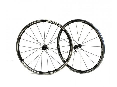 Paire de roues vélo route Shimano RS 81 C35 - Axe avant 9mm - Axe Arrière 9mm - Occasion